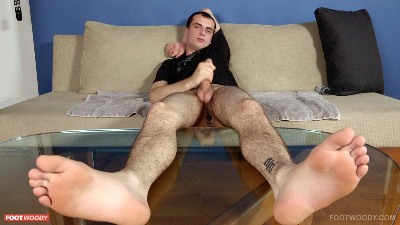 Sexe bareback gay branle solo