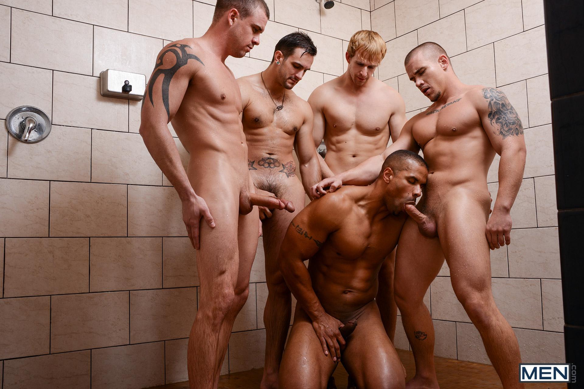 Orgie dans la douche