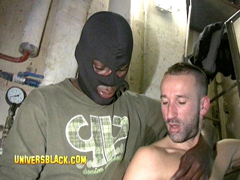 enorme bite de black gay sucer un hetero