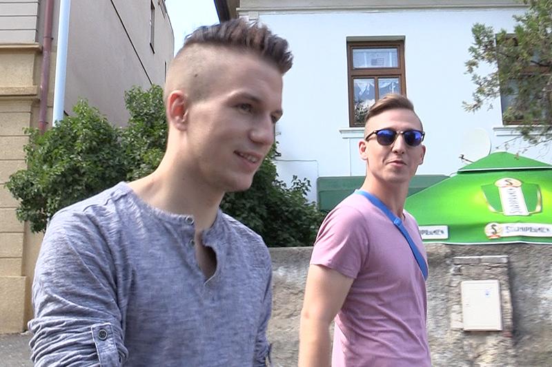 Czech Hunter 257 | GayMobile.fr