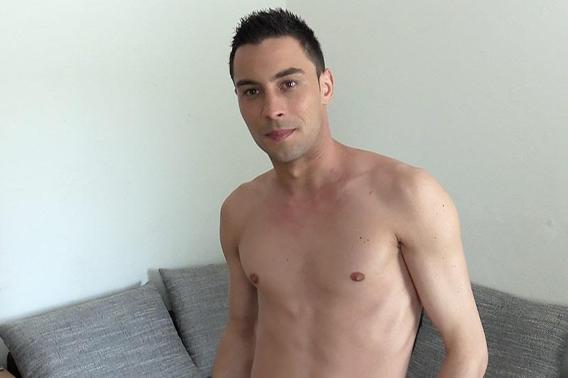 Tristan Folder BentleyRace   GayMobile.fr
