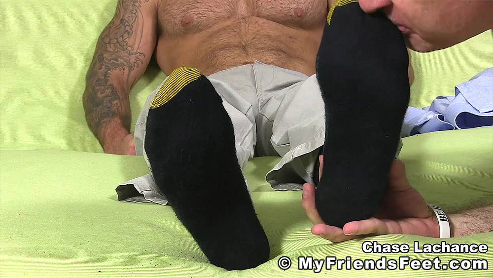 Chase Calls For Foot Worship Myfriendsfeet  Gaymobilefr-7649