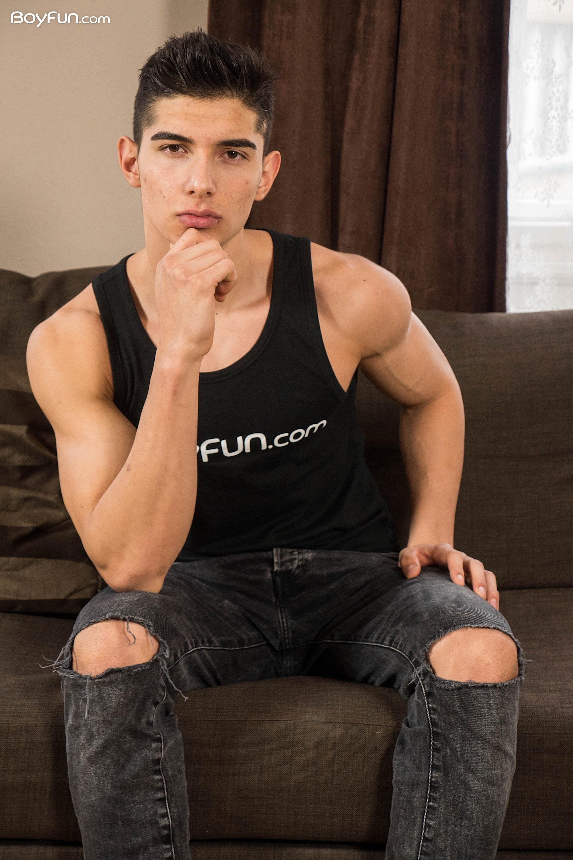 Jared Shaw  Boyfun  Gaymobilefr-8050