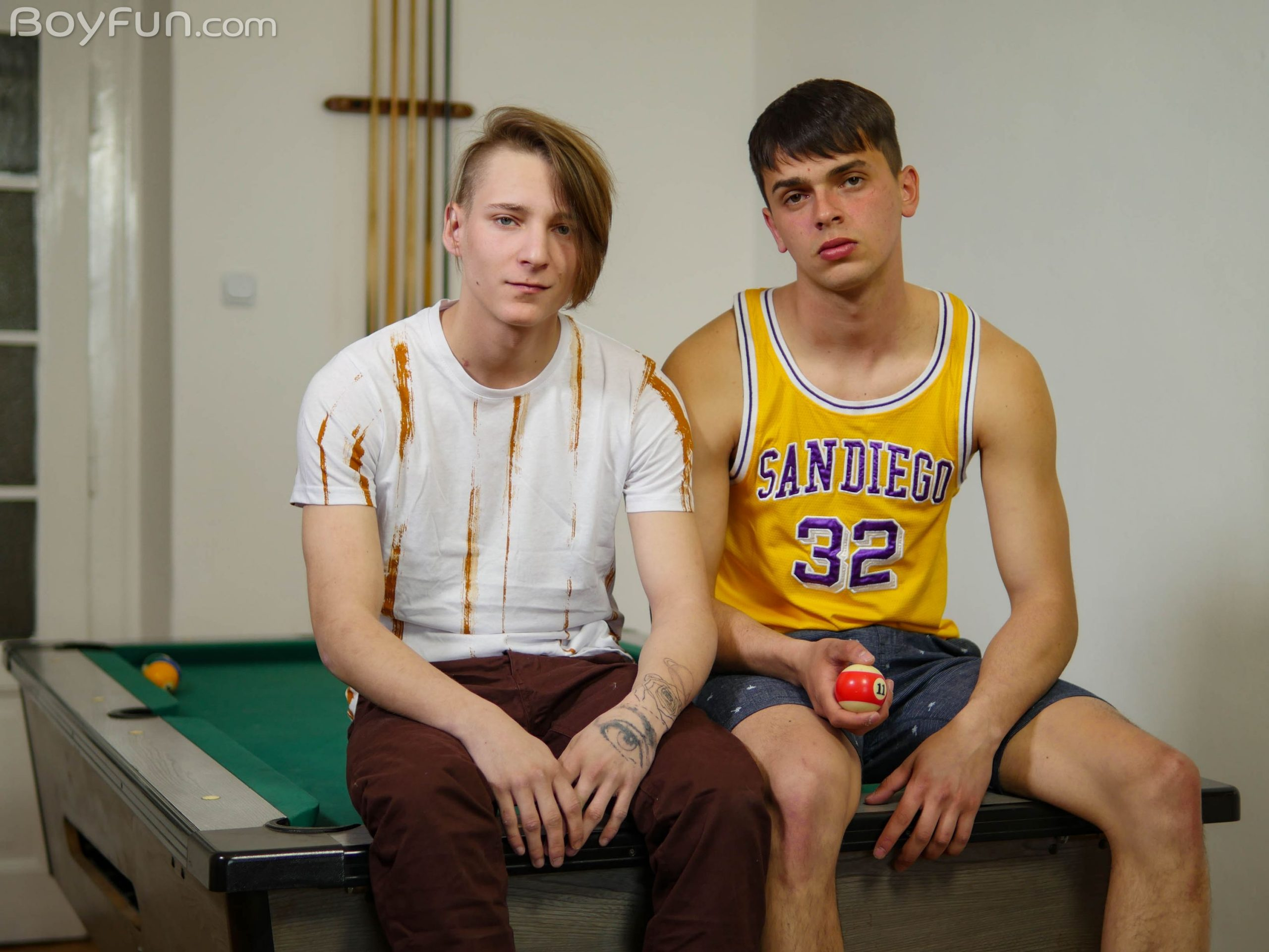 Finn Harper & Robin Matze Boy Fun Gay Porn | GayMobile.fr